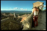 Zweitgeduldigste Frau der Welt, Bonnieux, 2002