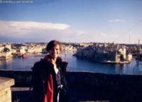 Zweitgeduldigste Frau der Welt, Malta, Jan. 2000
